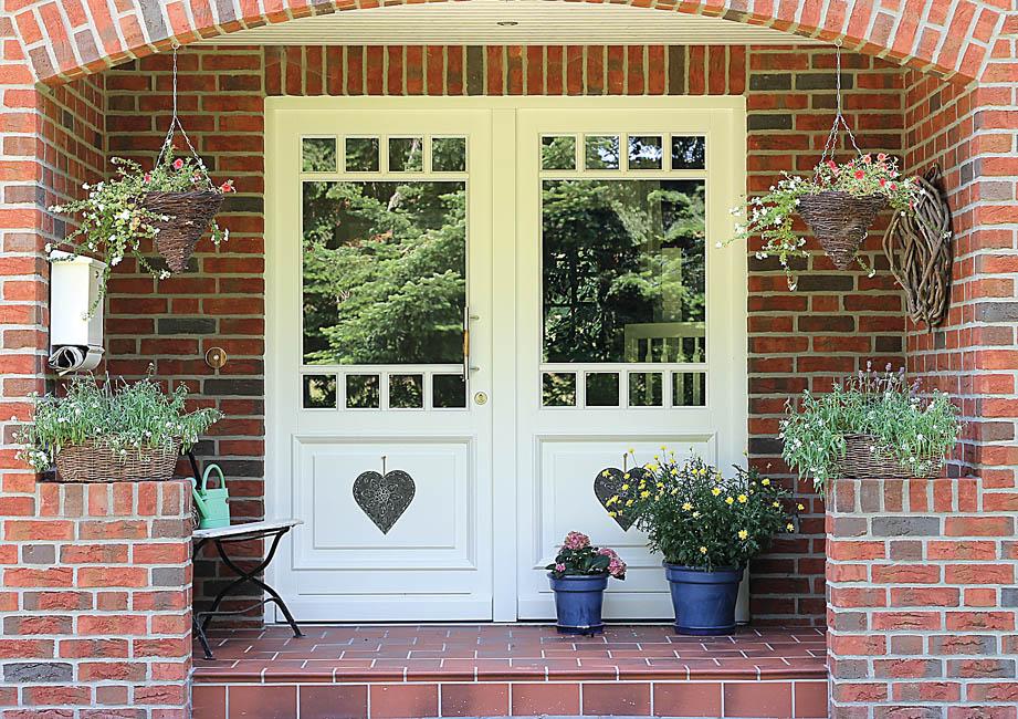 Eingangstüren landhaus  Haustüren Brunkhorst, Haustüren aus Holz, Holzhaustüren ...